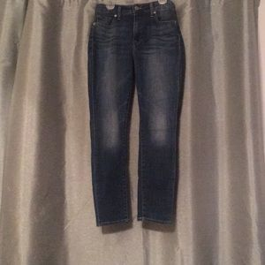 Like New size 4/27 Lucky Mid-Rise Skinny Jeans